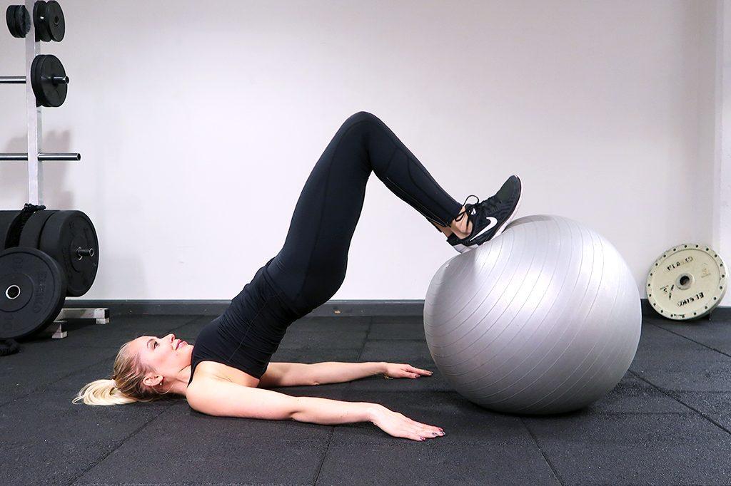 indrag-boll-larcurl-pilatesboll-ida-warg-ovning