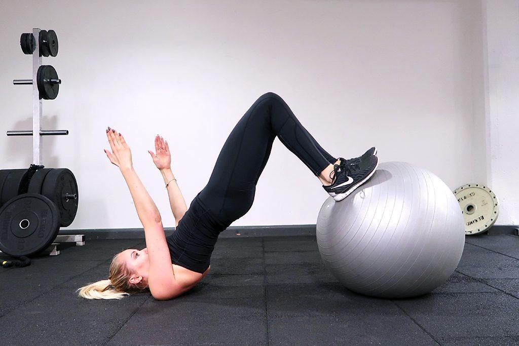 indrag-boll-pilatesboll-ida-warg-ovning