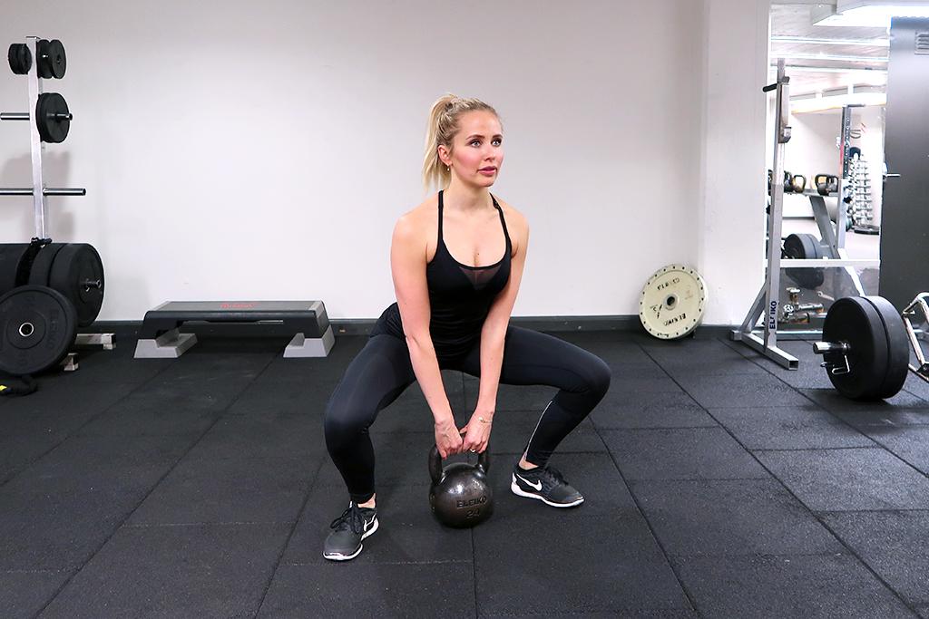 kettlebell-squat-sumo-ida-warg