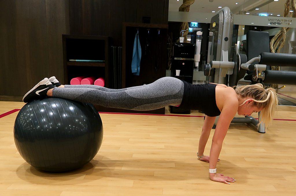 traning-indrag-boll-pilatesboll-1