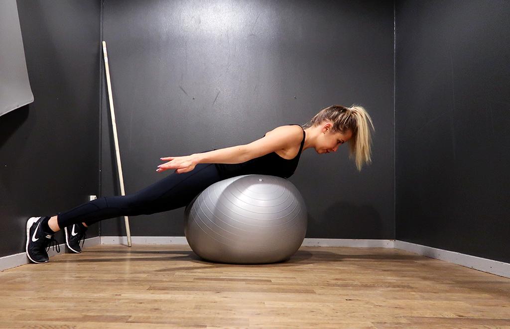 ryggovning-rygg-ovning-pilatesboll-boll